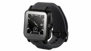 Cette photo présente la smartwatch Simvalley mobile, de fabrication française. La montre connectée est aussi un smartphone indépendant puisque qu'elle accepte également une NanoSim
