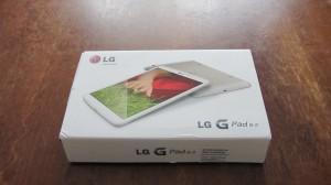 Cette photo présente le packaging de la tablette lg gpad 8.3. Pour le prix de la tablette, on peut dire que le packaging n'est pas à la hauteur..