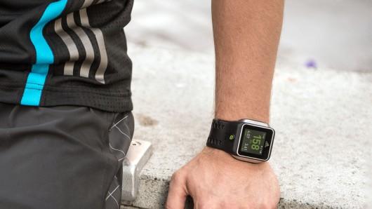 Cette image présente la smartwatch d'Adidas, qui a pour vocation d'améliorer votre effort sportif. De plus la montre saura vous conseiller en temps réel sur vos moindres faits et gestes.